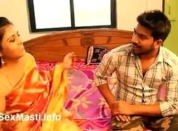 Low-spirited Nashili Aunty Payal (Navel Giving a kiss coupled with Socking Cleavage