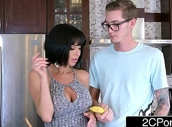 Ardent Oral wean away from Fat Knocker MILF Veronica Avluv